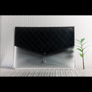 Accessories - A beautiful genuine leather laptop case, brand-new